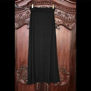 VGUC Black AB Studio knit maxi skirt. Sz M.